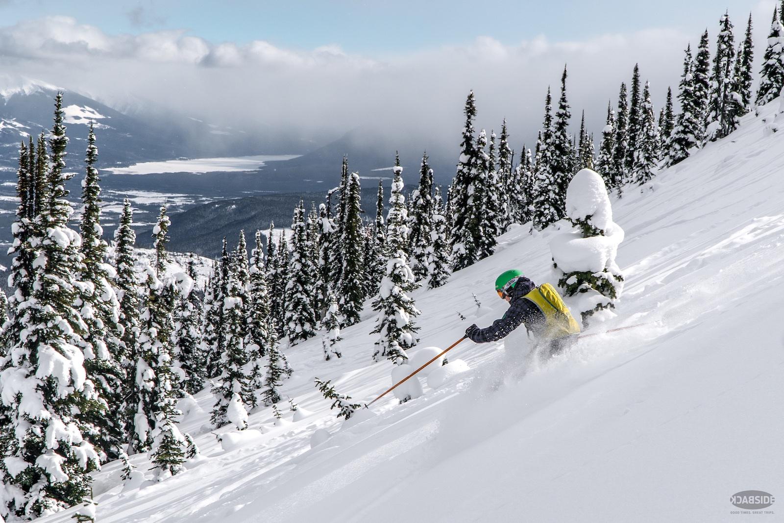 descending powder shot cariboo-cat-ski-rad-medi