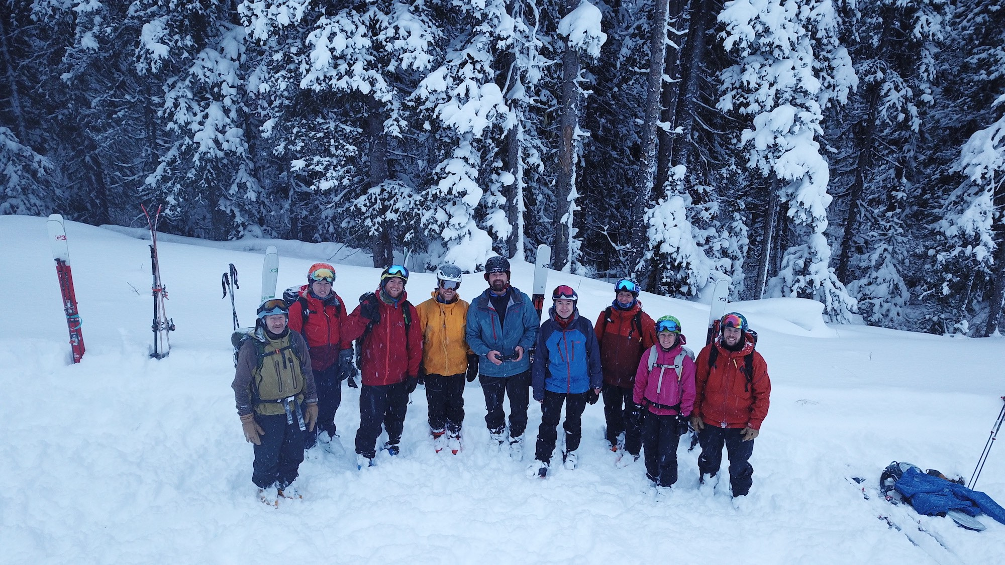 group-shot-cariboo-snowcat-skiing-lrg.